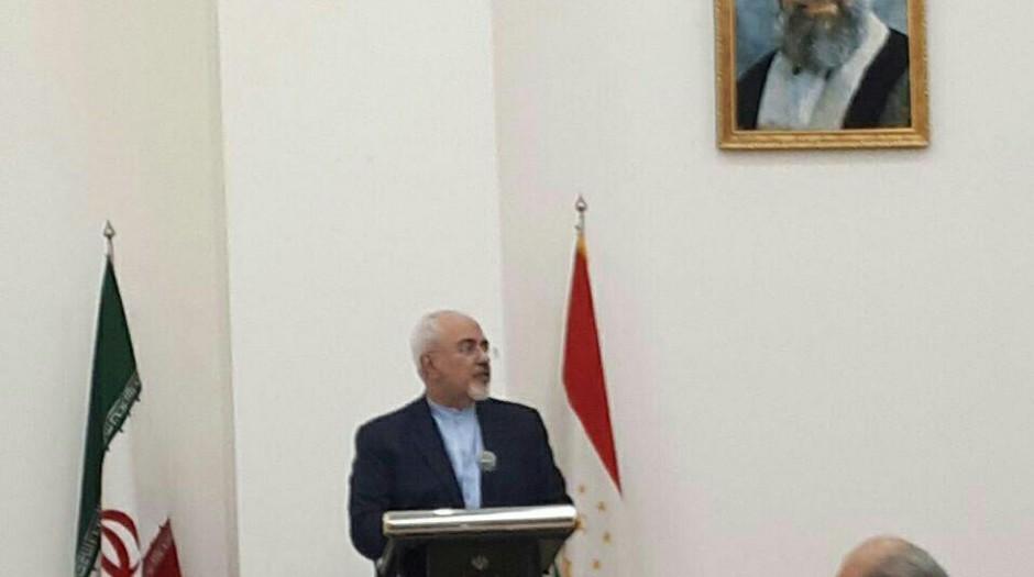 ظریف در جمع اعضای سفارت، کارکنان و ارگان های ایرانی تاجیکستان