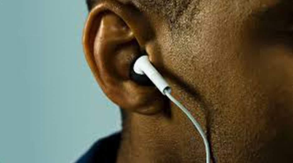 تاثیر صدای بلند موسیقی بر گوش ها