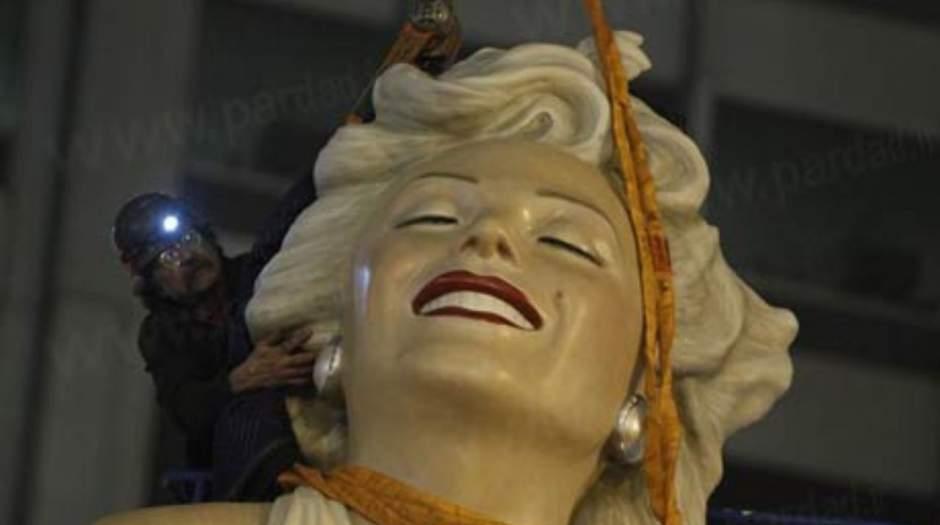 Image result for سرقت مجسمه مریلین مونرو از بلوار هالیوود